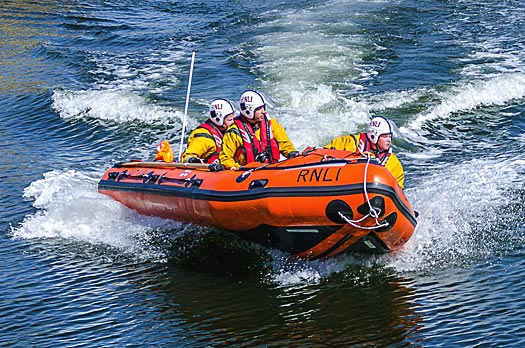Courtown lifeboat D711 launching