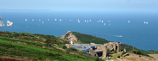 fleetfromhowth=